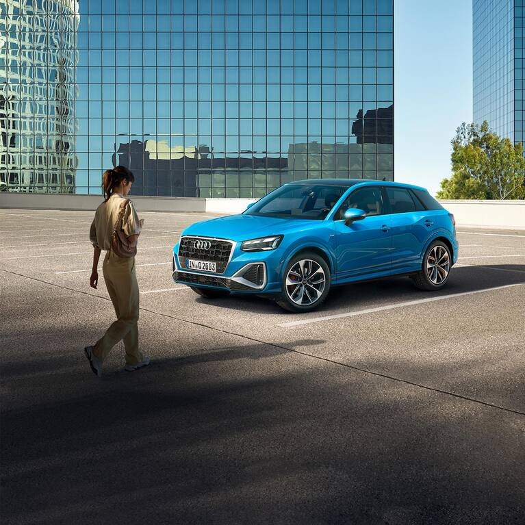 Front and side view Audi Q2
