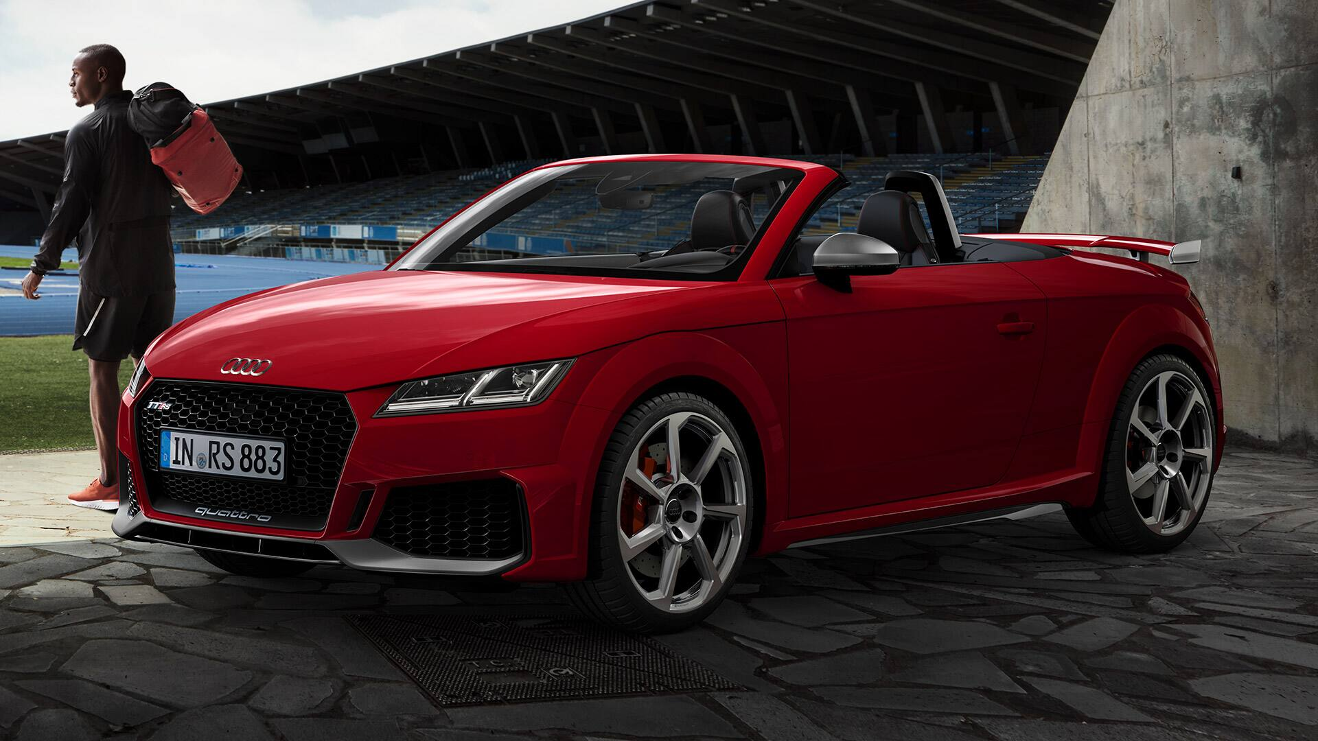 Side and front view Audi TT RS Roadster