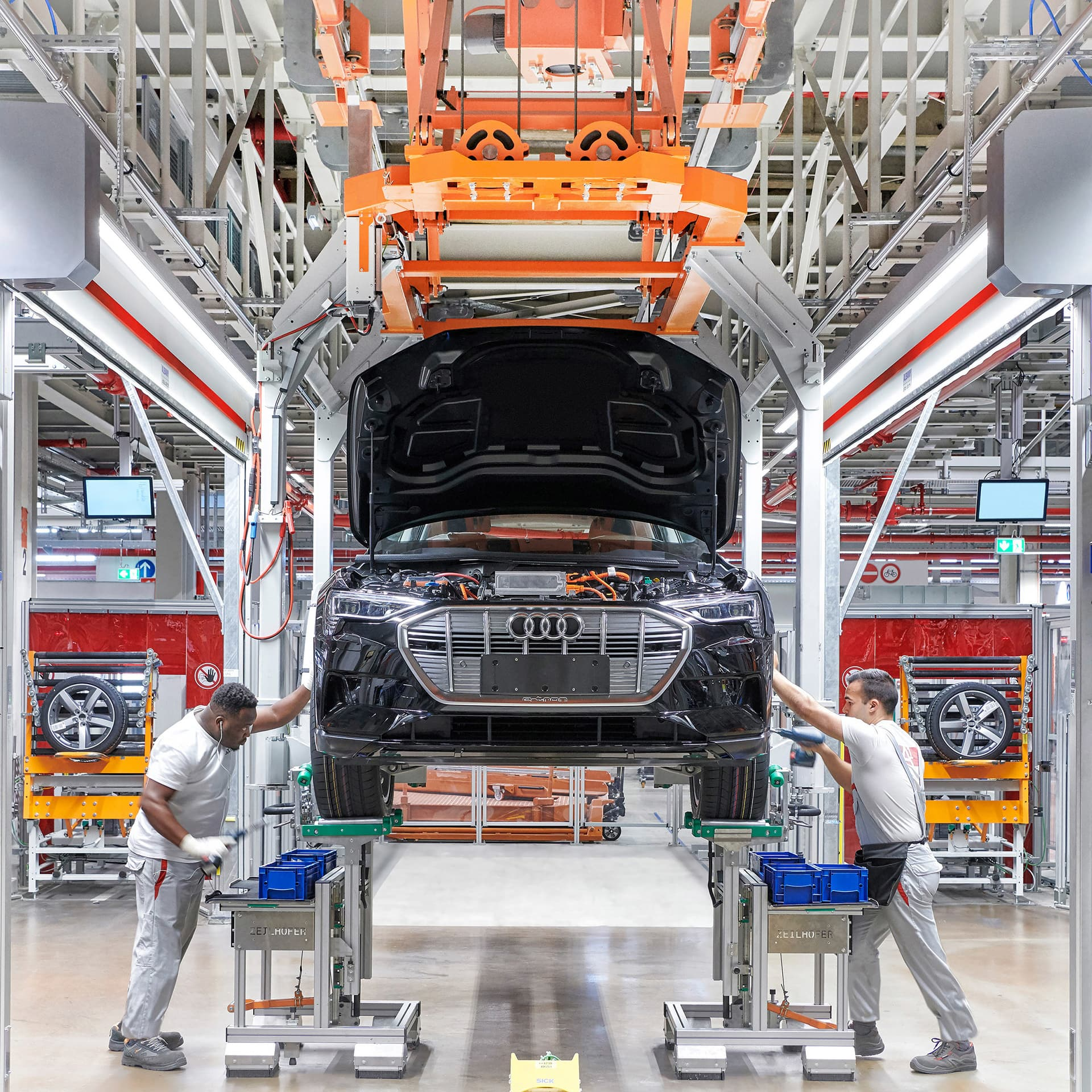 Audi Brussels, battery assembly: Final acceptance of cell module controller and cabling